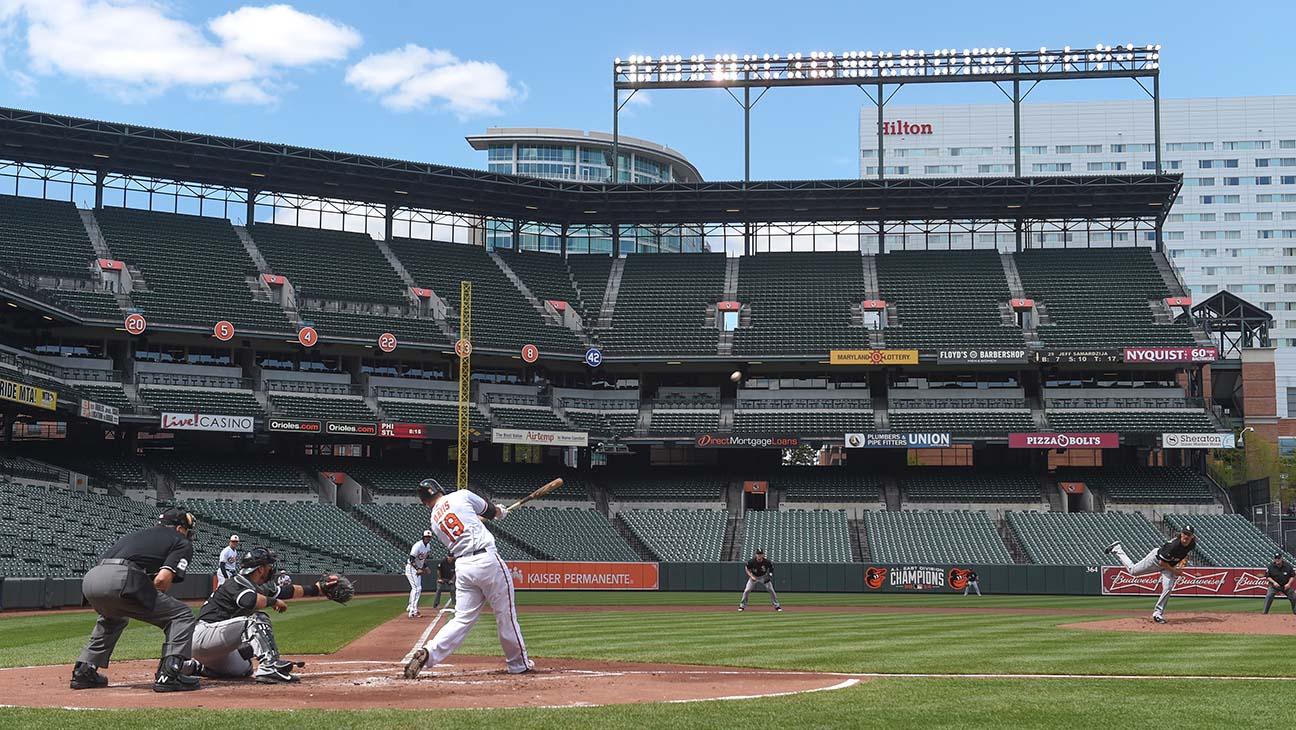BALTIMORE, MD - APRIL, 29:  Baltimore Orioles first baseman Chr